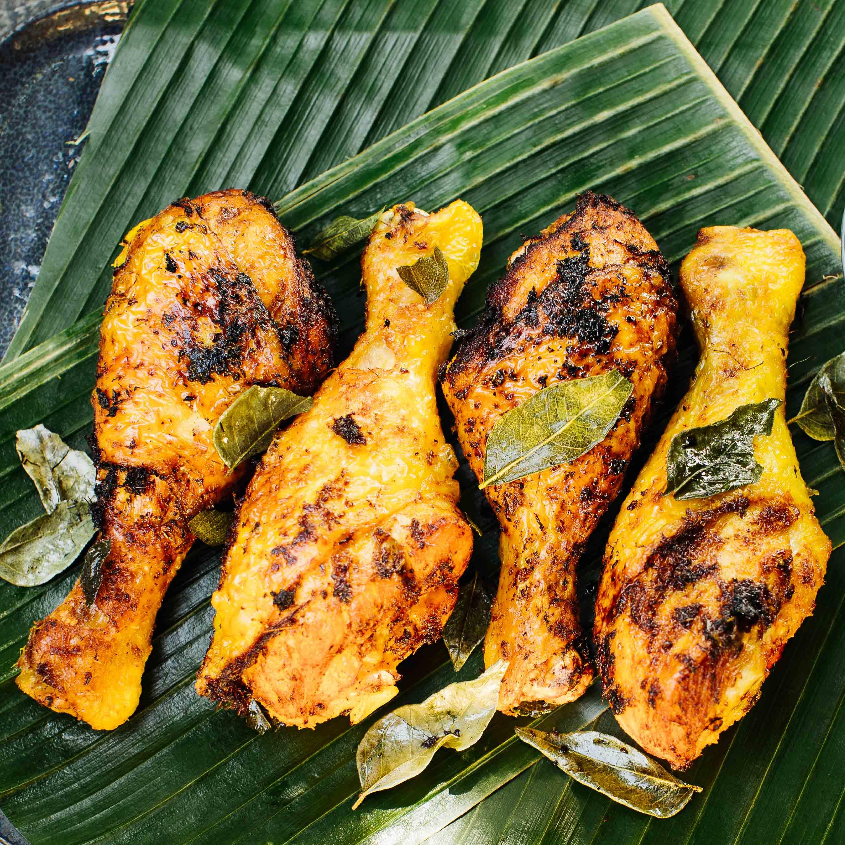 Ayam Goreng - Frittiertes Hähnchen mit würziger Curry-Paste