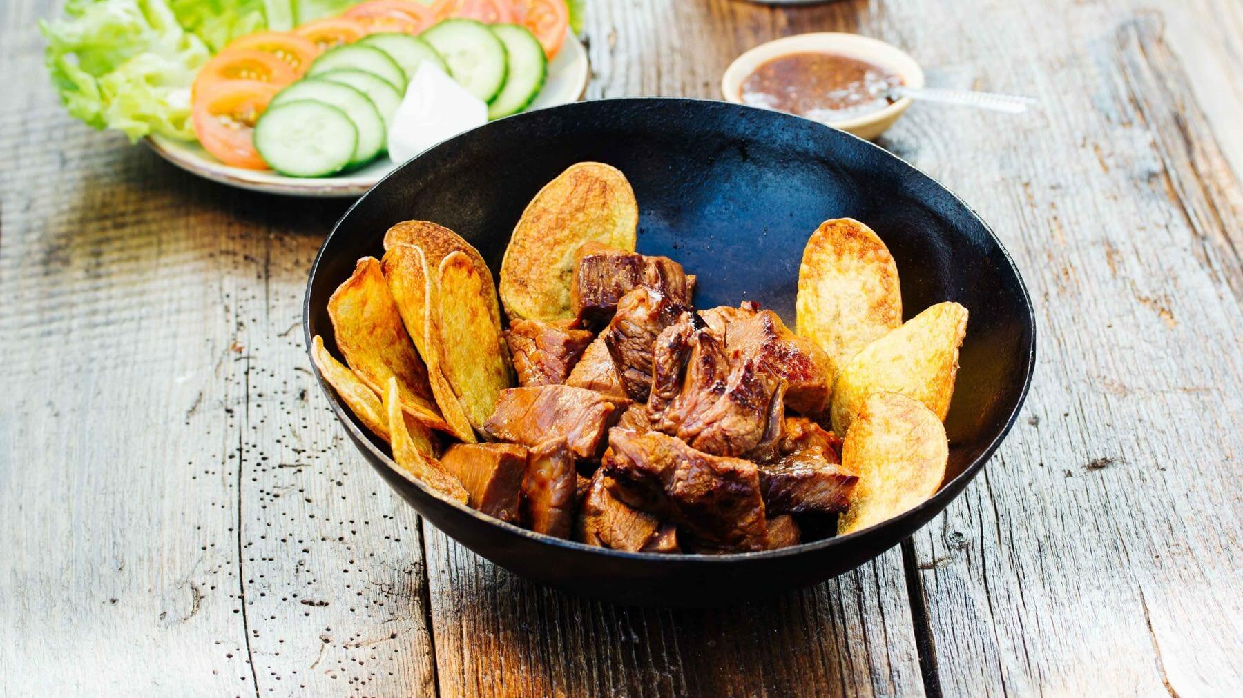 Beef Lok Lak – Rindfleisch aus dem Wok mit Pfeffersauce