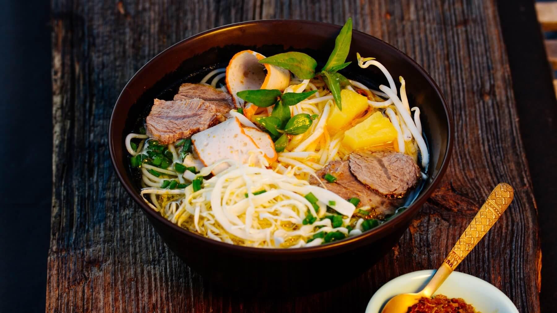 Rindfleisch Nudelsuppe – Bun Bo Hue