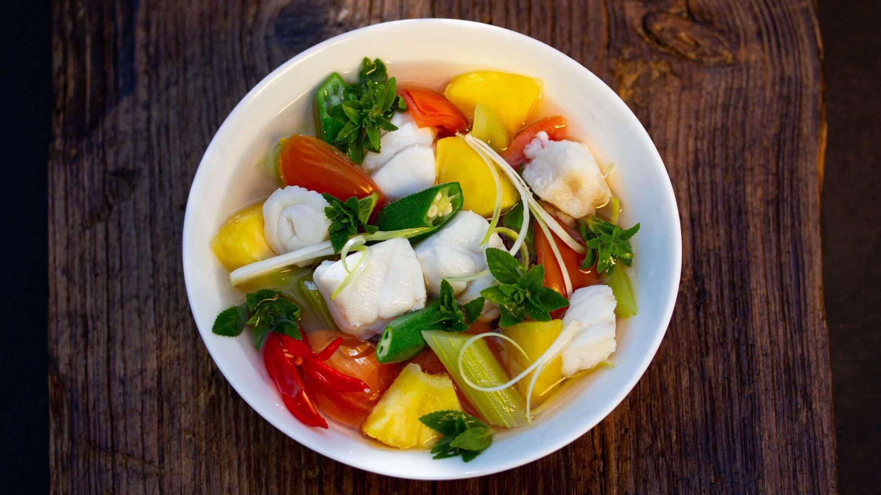 Süß-Saure Fischsuppe aus Vietnam