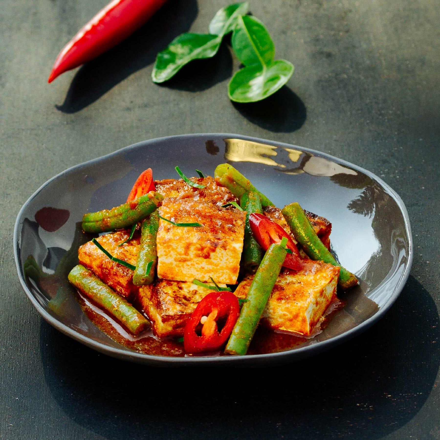Rotes Curry mit Bohnen und Tofu - Pad Prik King Tao Huu