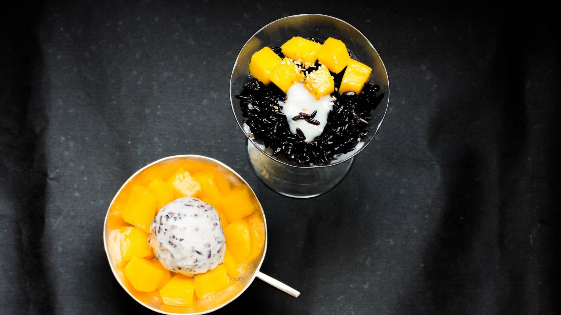 Schwarzer Reis mit Kokossahne und Mango