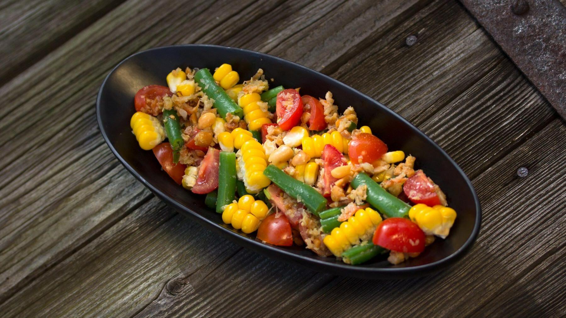 Scharfer Maissalat aus Thailand - Som Tam Khao Phot