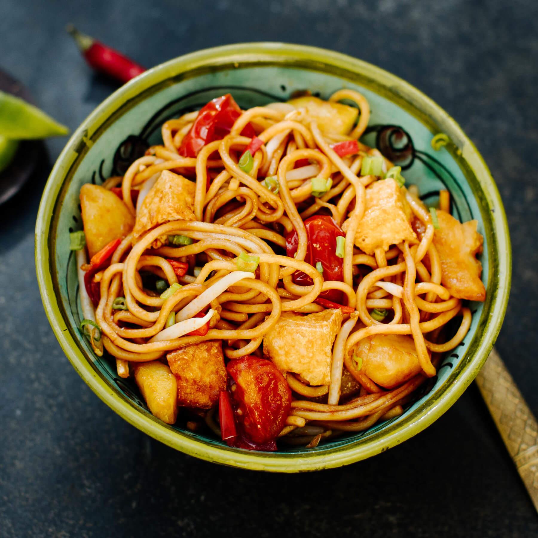 Veggie Mee Goreng – Indonesische gebratene Nudeln vegetarisch