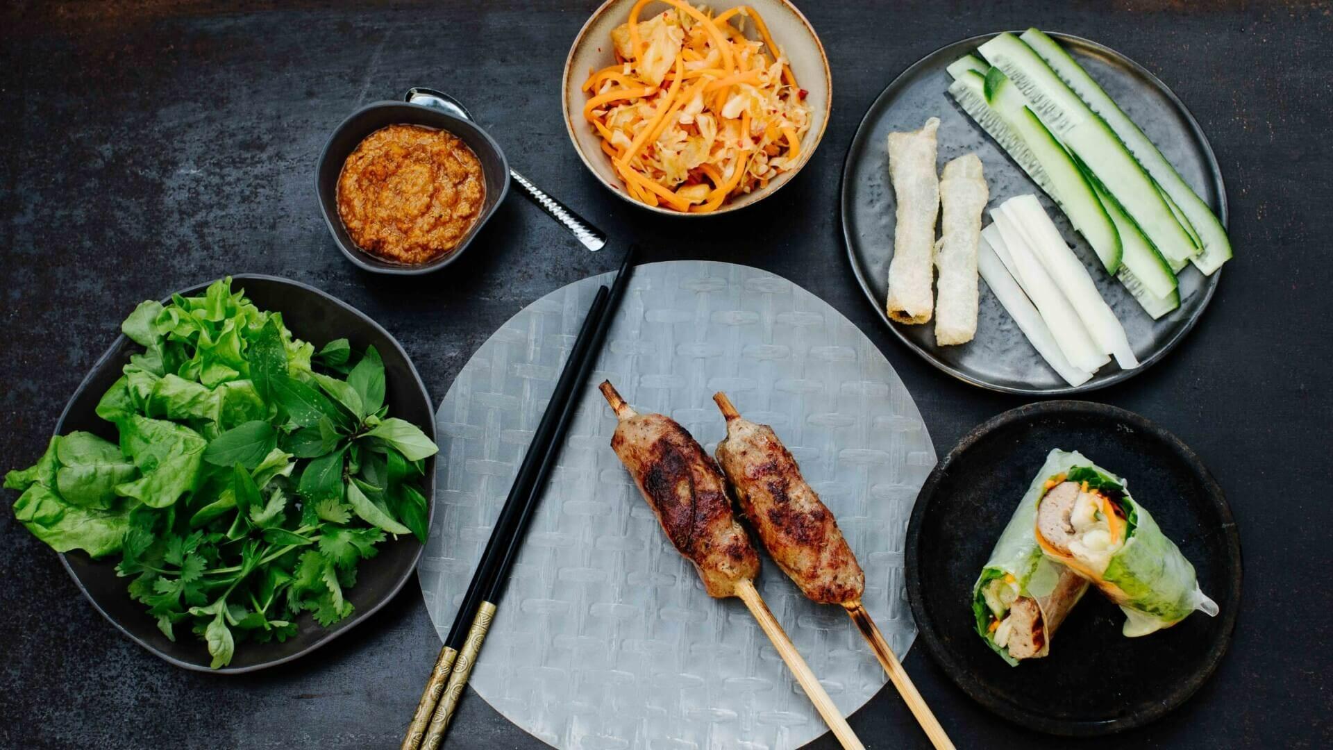 Gegrillte Fleischröllchen im Reispapier - Nem Nuong