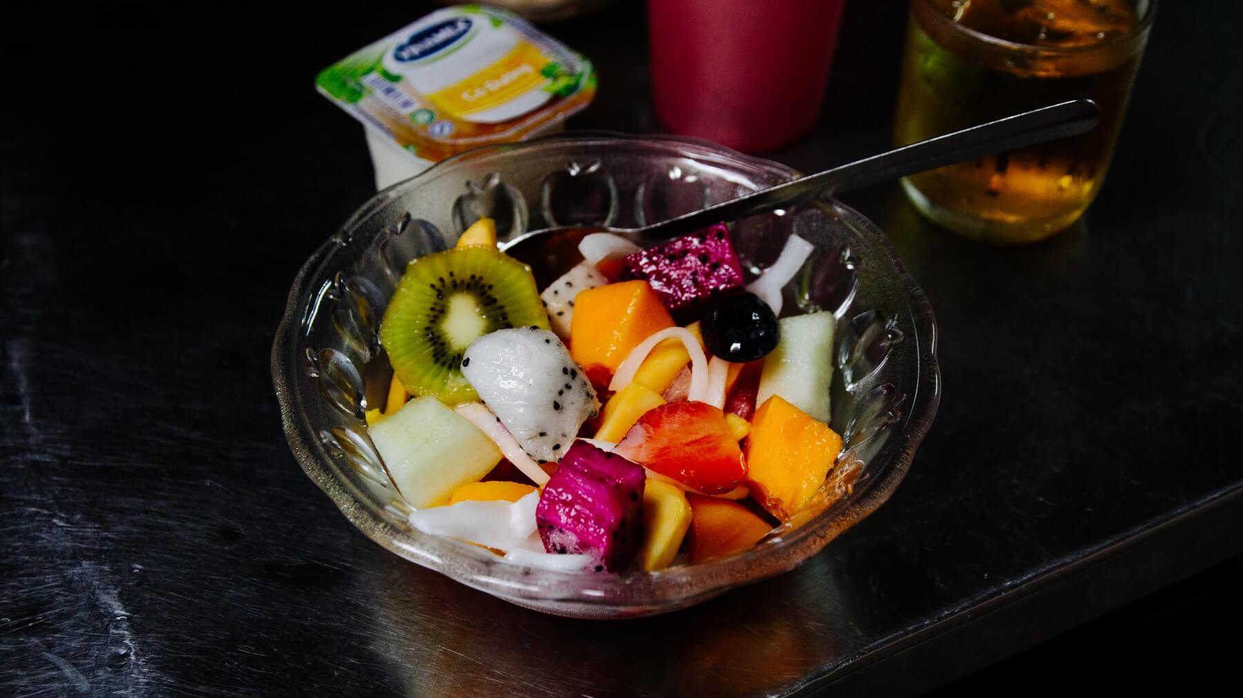 Vietnamesischer Obstsalat mit Joghurt
