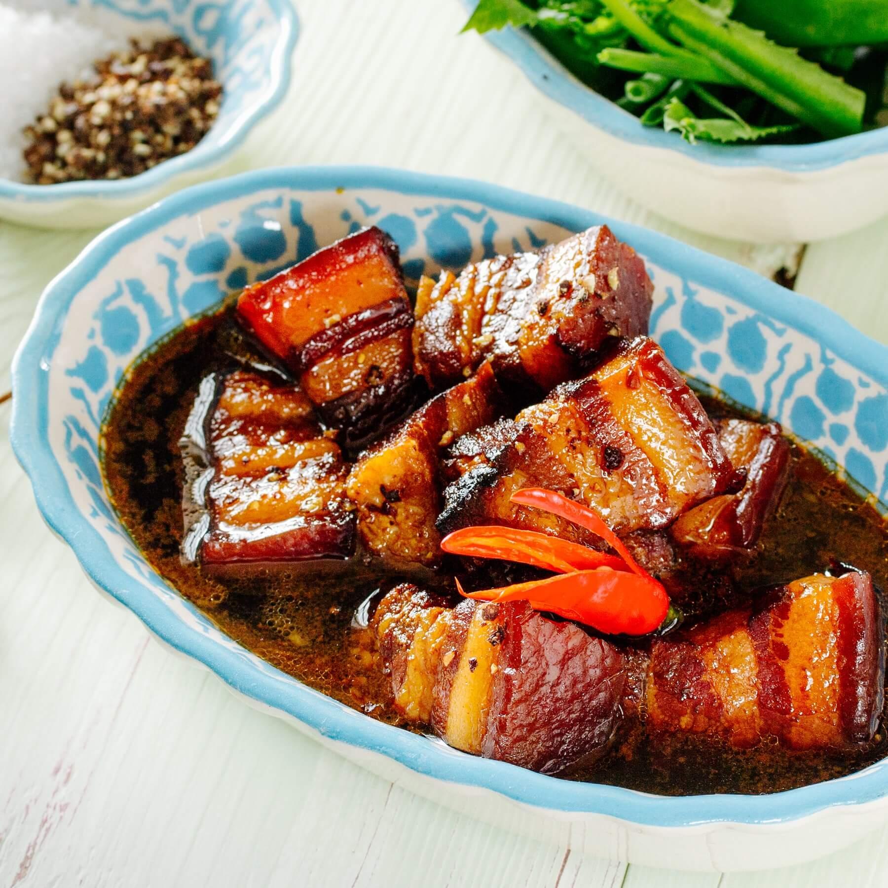 Geschmortes Schwein in Karamell - Thit Kho