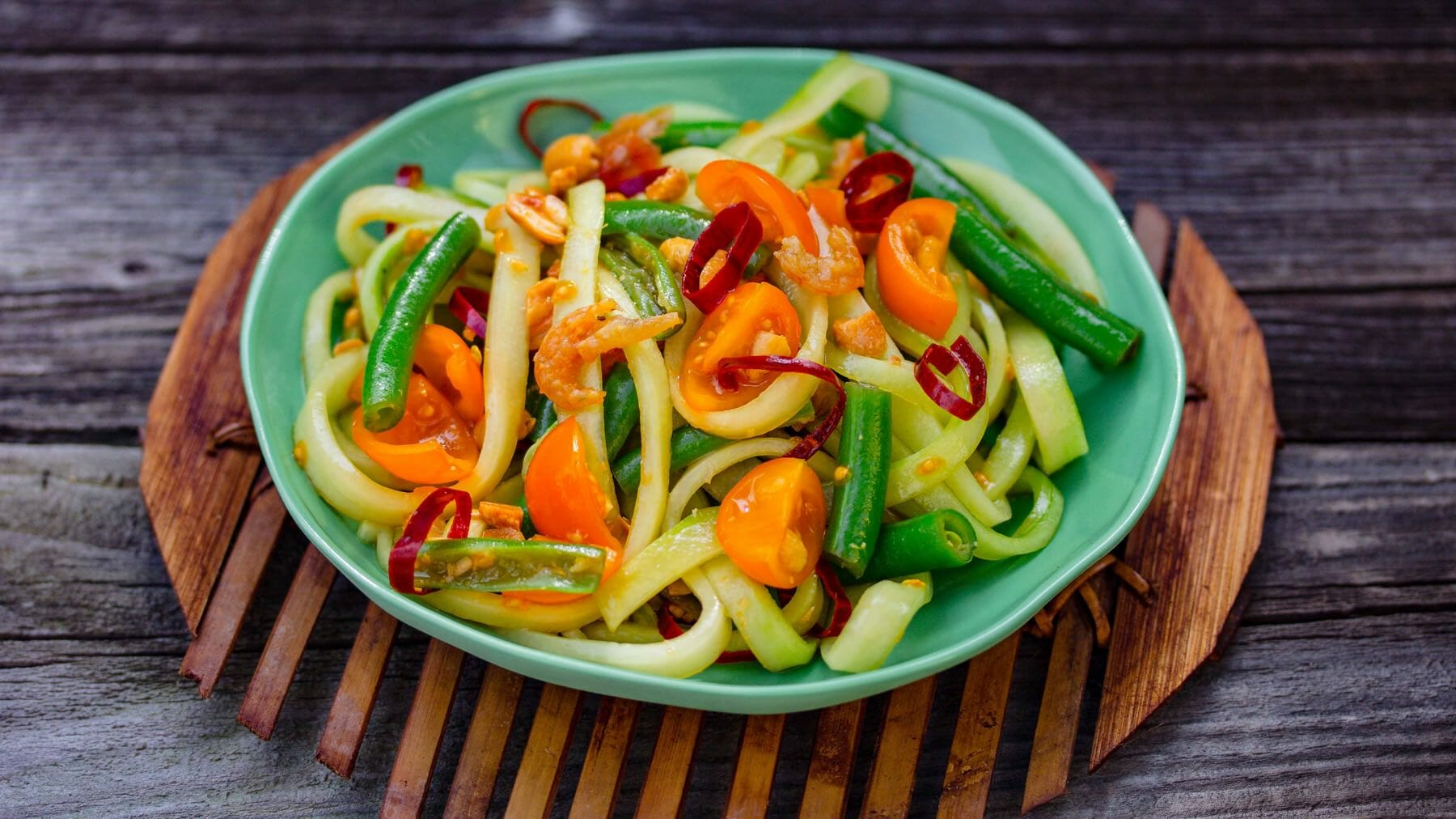 Thailändischer Gurkensalat - Som Tam Taeng