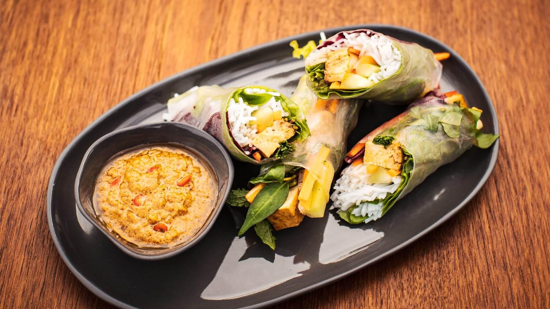 Vegane Sommerrollen mit 5-Gewürze-Tofu