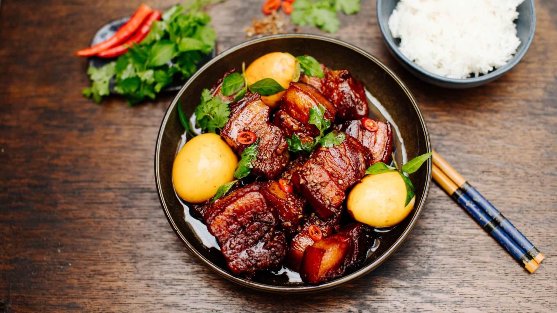 Geschmortes Schwein in Karamell - Thit Kho Tau